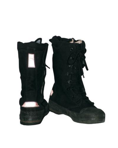 - 抢险救助靴